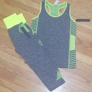 New Mix Other - Tank and Capri set